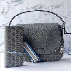 🍀NWT Michael Kors Bedford Shoulder Bag and Wallet